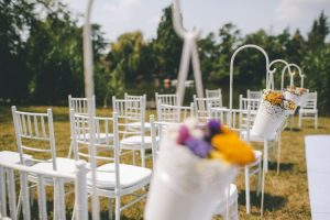 fehér fa chiavari szék